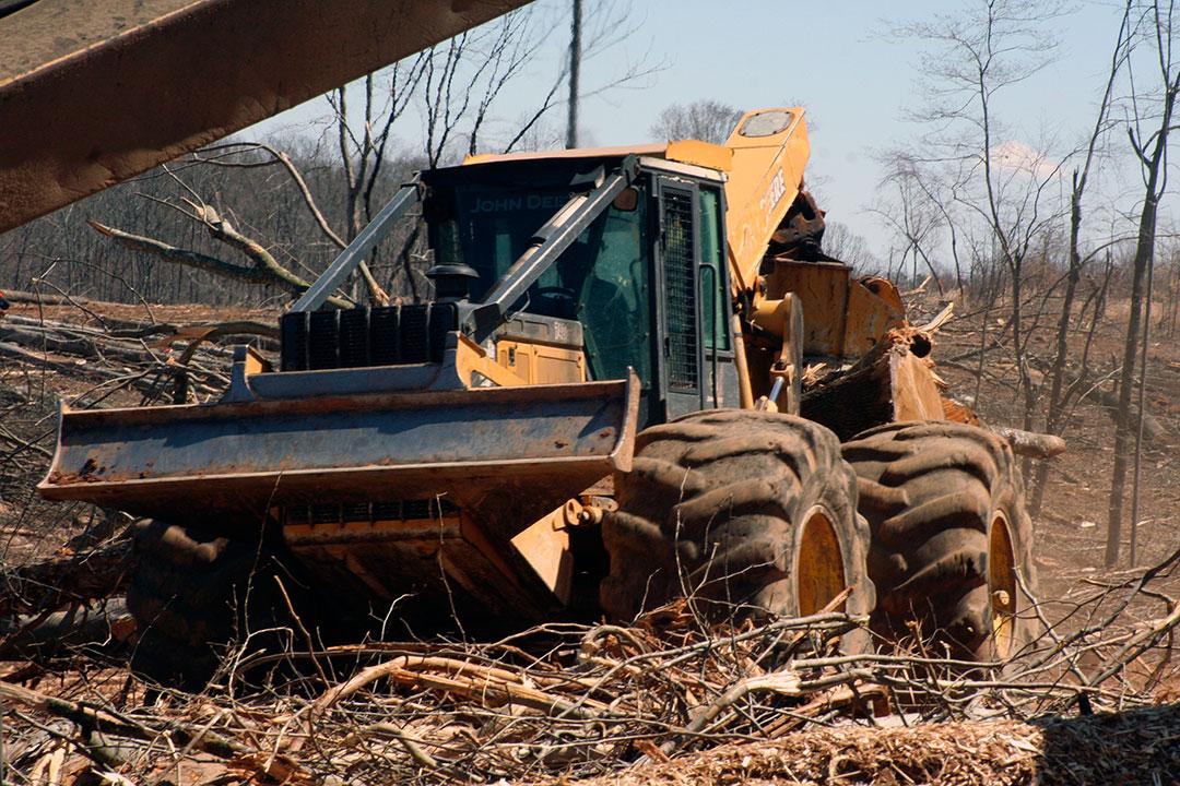Pugh's Logging   Back In Black